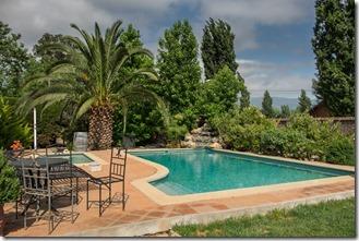 Packed pool at Posada Colchagua