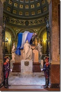 San Martin's tomb under guard