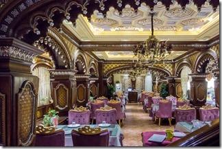 Fancy setting for the restaurant
