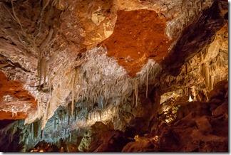 Ngilgi caves - more formations